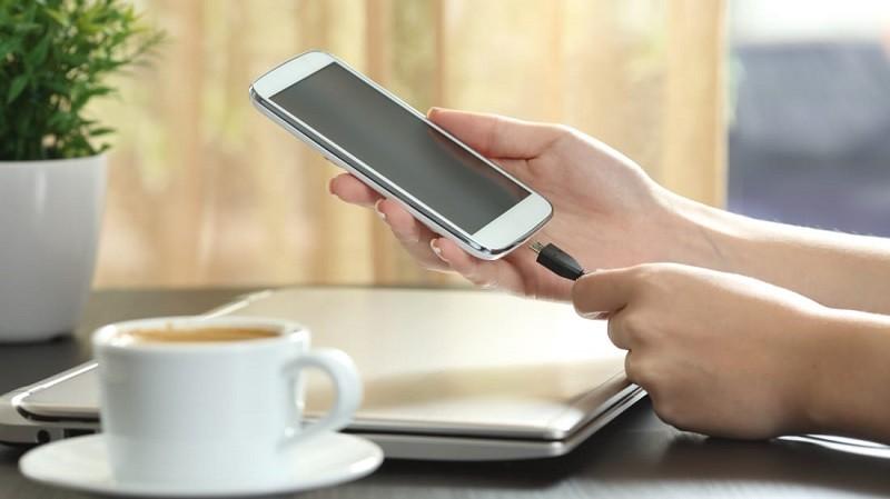 چطور مصرف باتری تلفن همراه خود را کاهش دهیم؟
