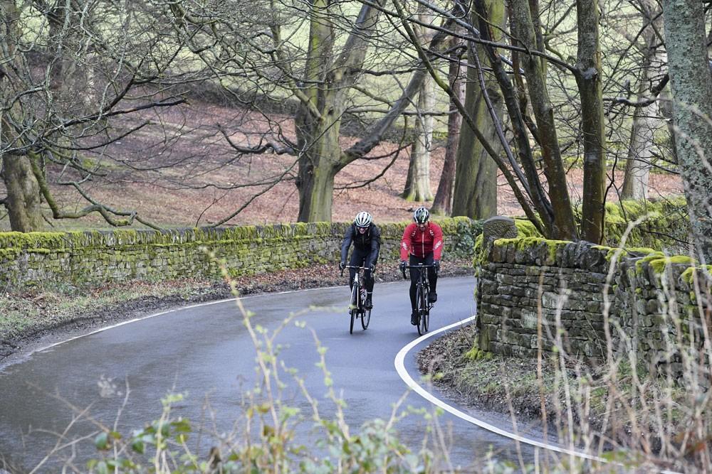 چرا دوچرخه سواری برای کاهش وزن ، تناسب اندام ، پاها و ذهن مناسب است