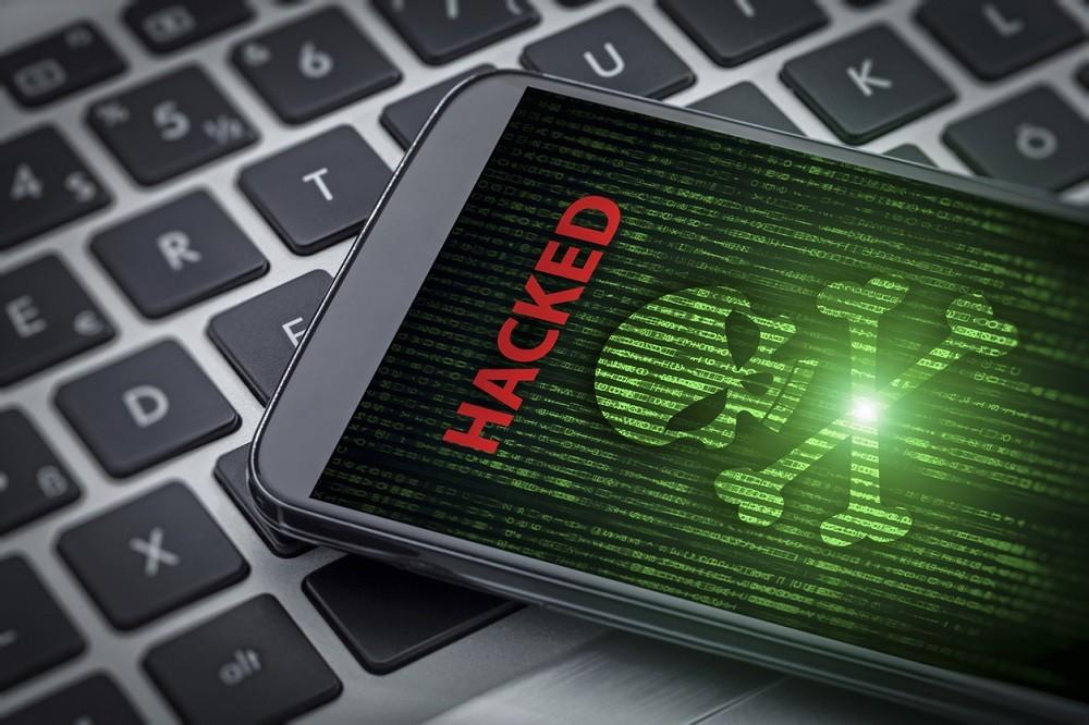 چه خطراتی گوشی هوشمند ما را تهدید میکند؟