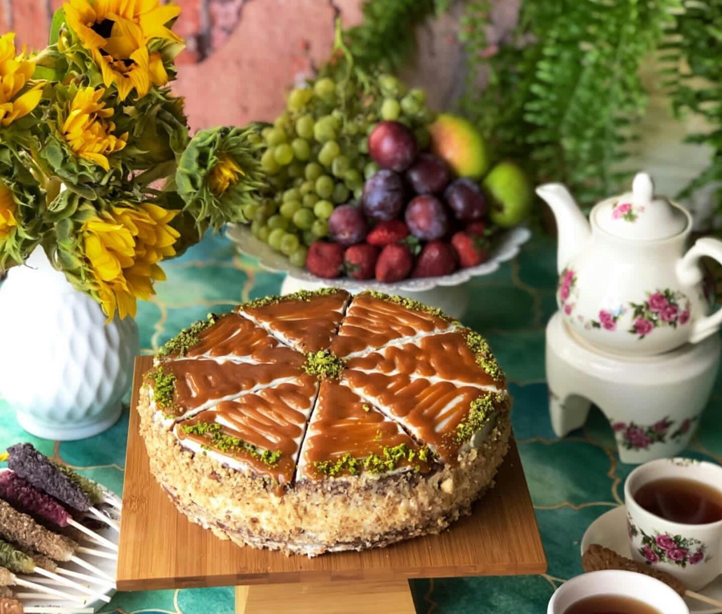 آموزش کیک هویج و گردو کاراملی با فراستینگ پنیری