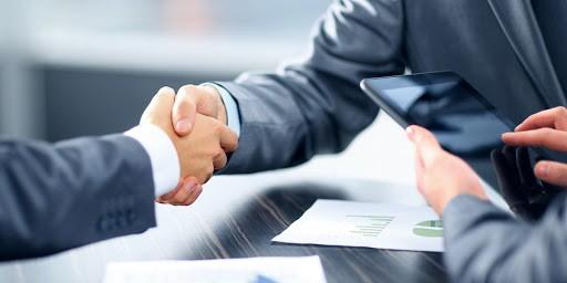 ویژگی های یک کارشناس فروش حرفه ایی چیست؟