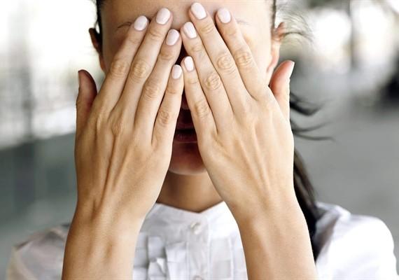 چگونه خجالتی بودن را کنار بگذاریم؟