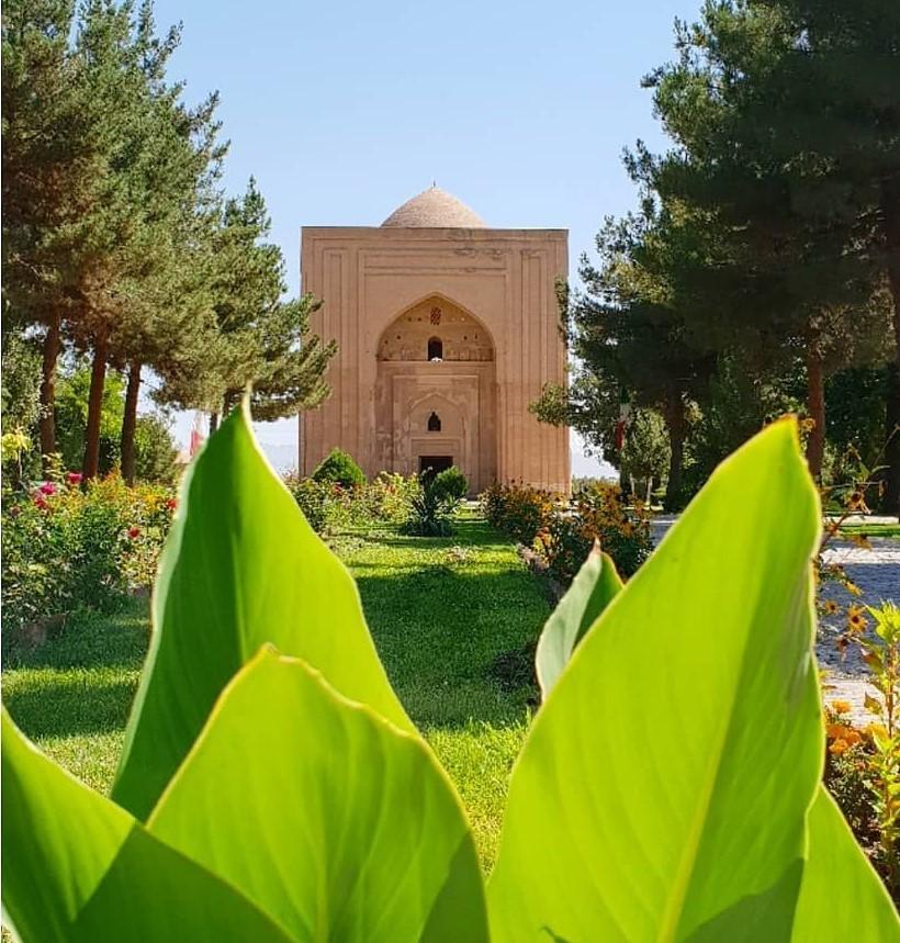 معرفی بقعه هارونیه در مشهد