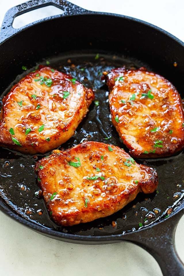 طرز تهیه فیله مرغ با سس سیر و عسل
