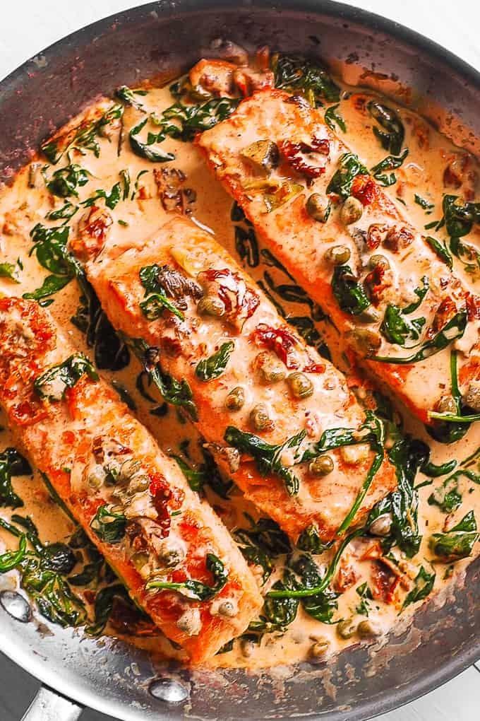 طرز تهیه ماهی با اسفناج و سس خامه ایی