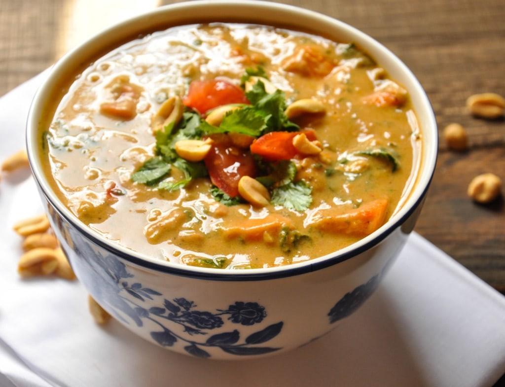 طرز تهیه سوپ بادام زمینی آفریقایی