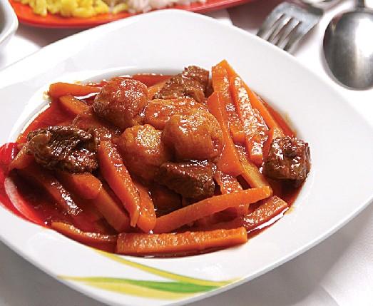 طرز تهیه خورش آلو با گوشت و سیب زمینی