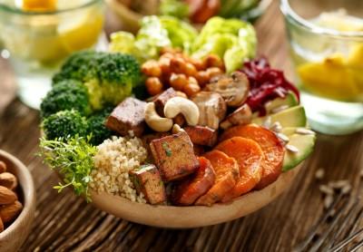 راهنمای تغذیه خام گیاه خواری برای افراد چاق و بیمار