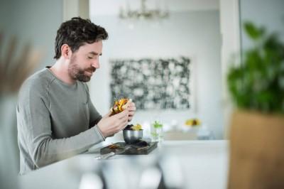 کدام غذاها به شما کمک می کنند بهتر بخوابید؟