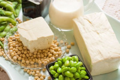 چه غذاهایی به جوان سازی پوست کمک می کند؟