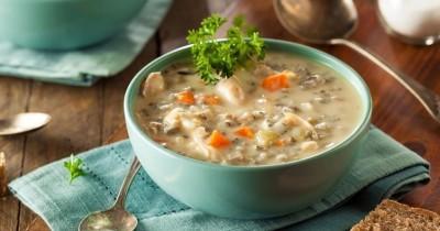 سوپ مرغ با سبزیجات فصلی