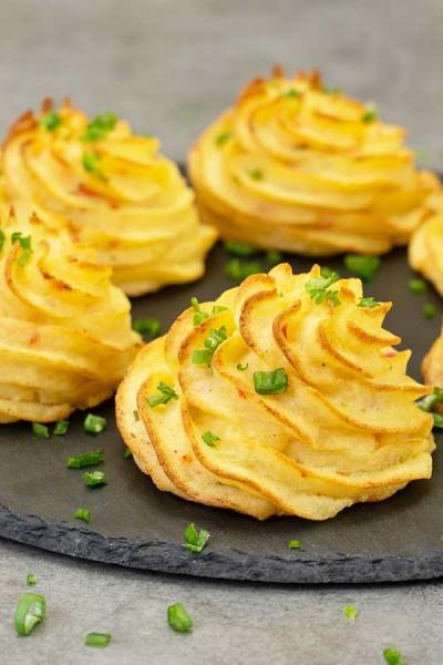 طرز تهیه سیب زمینی دوشس لی با پنیرپارمسان