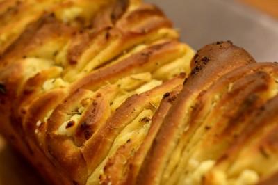 دستور تهیه نان یونانی با پنیر فتا