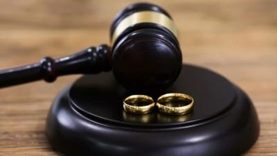 ضمانت اجرایی عدم حضور زوجین در دادگاه طلاق چیست؟