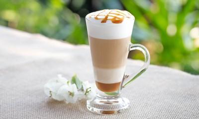 طرز تهیه قهوه کاراملی لاته