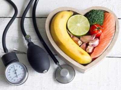 اقداماتی که به کاهش فشار خون کمک میکنند