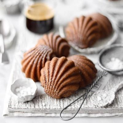 طرز تهیه دو نوع مادلین یا شیرینی صدفی