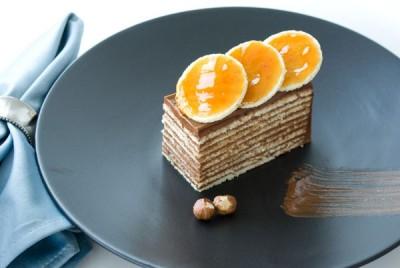 آموزش  اسفنج کیک با کرم شکلاتی وفندق