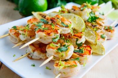 طرز تهیه دو نوع دستور غذا برای میگو اسکامپی کبابی