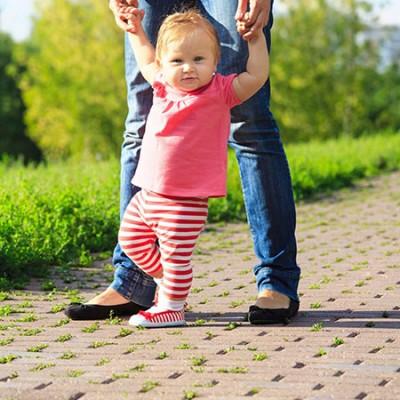 تمرین برای راه رفتن نوزاد
