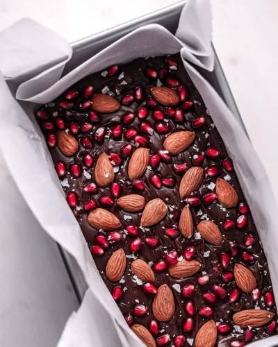 آموزش دسر شکلاتی انار و بادام