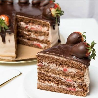 آموزش کیک توتفرنگی شکلاتی