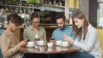 تکنولوژی و تاثیر منفی آن بر روی زندگی افراد