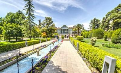 عطر گل ها در باغ ارم شیراز از جذاب ترین باغ های تفریحی