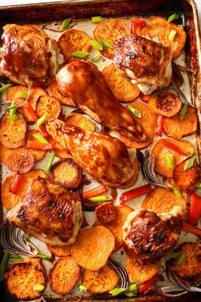 آموزش پخت مرغ با سس ترکیبی و سبزیجات