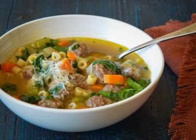 طرز تهیه سوپ عروسی ایتالیایی با کوفته ریزه