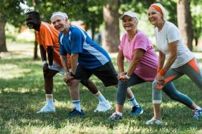 چه نوع ورزش برای افراد مسن بهتر است؟