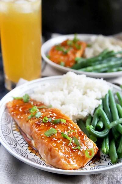 طرز تهیه ماهی قزل آلا زنجبیل با عسل: یک شام سریع و سالم