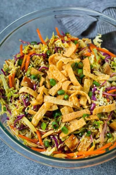 طرز تهیه سالاد چینی مرغ با سبزیجات ووانتان