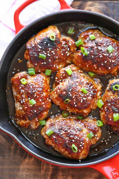 طرز تهیه ران مرغ سوخاری شده با کنجد تند