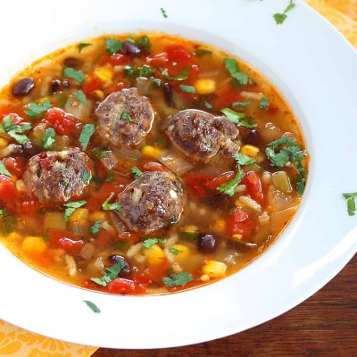 طرز تهیه سوپ آلبوندیگاس (سوپ کوفته مکزیکی)
