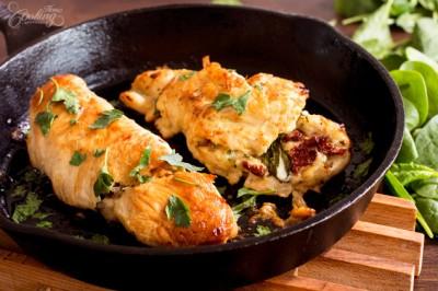 طرز تهیه سینه های مرغ پر شده با اسفناج و پنیر