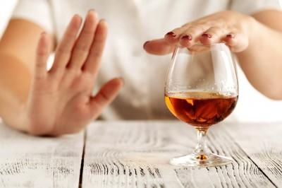 داروهای طبیعی برای مبارزه با اعتیاد به الکل