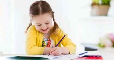 ویژگی های کودکان چپ دست ، علل و چگونگی توضیح این موضوع برای کودک شما