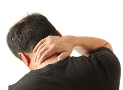 علل گردن درد و ورزش های مناسب آن