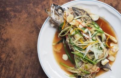 طرز تهیه ماهی پخته شده با سس زنجبیلی شانگهای