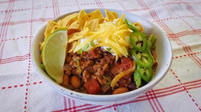 طرز تهیه خوراک چیلی با انواع لوبیا