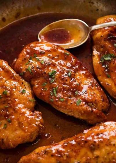 طرز تهیه سینه مرغ با طعم سیر و عسل