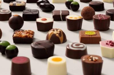 طرز تهیه سه نوع شکلات ساده و کاراملی خانگی