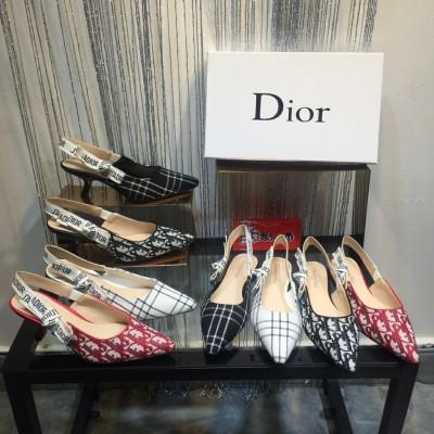 برای خرید کفش زنانه مناسب باید چند نکته را بدانیم