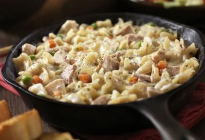 طرز تهیه ماکارونی با تن ماهی و قارچ