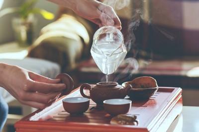 با این شش دم نوش سنتی تور چای گردی به دور دنیا داشته باشید