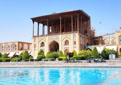 جاذبه های گردشگری - کاخ عالی قاپو اصفهان